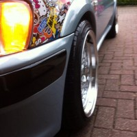 Peugeot 106 met USLights en stickerbom