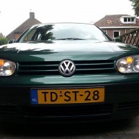 VW Golf 4 met USLights groen