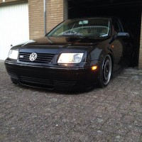 VW Bora met USLights en Airride