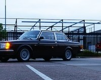 Volvo 242 DL met USLights