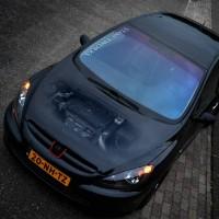 Peugeot 307 met USLights en doorzichtige motorkap