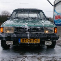 VW Jetta mk1 met USLights in de carwash