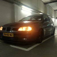 Seat Ibiza met USLights in parkeergarage 2