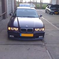 E36 BMW met USLights en Angellights