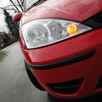 Ford Focus rood met USLights