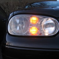 VW Golf 4 dubbele USLights in koplamp