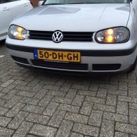 VW Golf 4 zilver met dubbele donkere knipperlichten en USLights