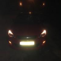 Opel Astra met USLights avond
