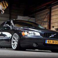 Volvo S60 met USLights en verlaagd