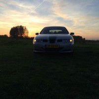 Seat Leon met USLights in de schemer