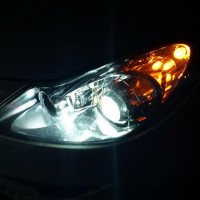 Opel Corsa nacht close up USLights
