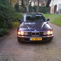 BMW 735i met USLights