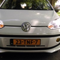 VW Up! met USLights en xenon en gele mistlampen