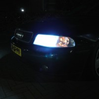 Audi A4 met USLights en Xenon