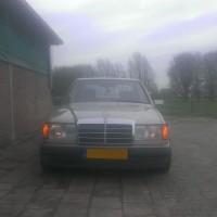 Mercedes W124 met USLights