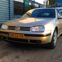 VW Golf IV met USLights champagne