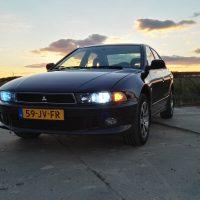 Mitsubishi Galant met Xenon en USLights
