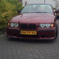 BMW e36 coupe met Angel Eyes en USLights