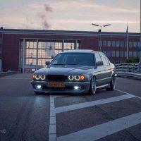 BMW 7 serie met USLights en Angle Eyes