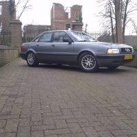 Audi 80 1993 met USLights voor ruine