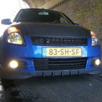 Suzuki Swift nieuwe type met carbon motorkap, USLights en mistlampen