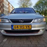 Opel Vectra met USLights en xenon projector headlights