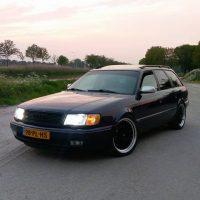 AUDI 100 AVANT QUATTRO V8 met USLights en Xenon
