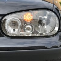 Golf 4 met USLights closeup van koplamp