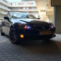 Lexus GS met USLights en oranje mistlampen