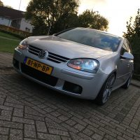 VW Golf 5 met USLights en Xenon