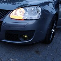 VW Golf V met USLights en originele koplampen