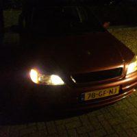 Opel Astra met USLights in het donker