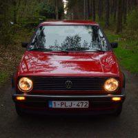 VW Golf mk2 met USLights in het bos