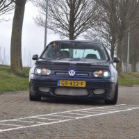 VW Golf 4 met USLights en motorhaube en xenon