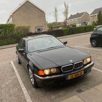 BMW 7er reihe met USLights aan