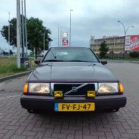 Volvo 440 met USLights aan